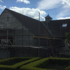 Scaffolding to aid with roofing safely